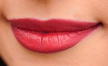 lips up